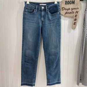 NWOT Levi's 724 High Rise Raw Hem Jeans Med Wash